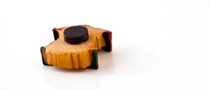 Der Kuckucksuhr-Mini-Magnet von hinten
