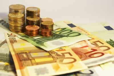 Geld, Finanzierung